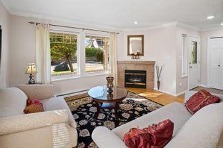 Photo 5: 1230 Lyall St in Esquimalt: Es Saxe Point Half Duplex for sale : MLS®# 888282
