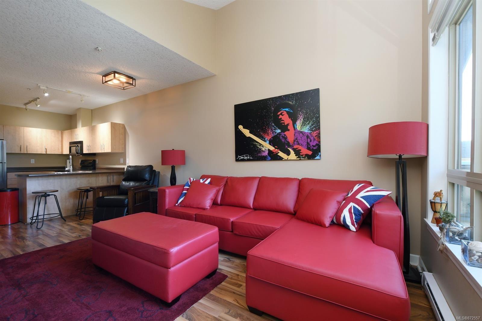 Photo 3: Photos: 411 825 Goldstream Ave in : La Langford Proper Condo for sale (Langford)  : MLS®# 872557