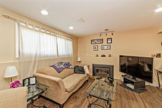 """Photo 14: 7466 LARK Street in Mission: Mission BC House for sale in """"Superstore/ Easy Lougheed Hwy Access"""" : MLS®# R2351956"""