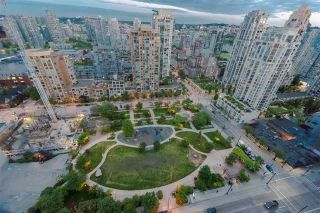 """Photo 18: 2506 1155 SEYMOUR Street in Vancouver: Downtown VW Condo for sale in """"Brava"""" (Vancouver West)  : MLS®# R2387101"""