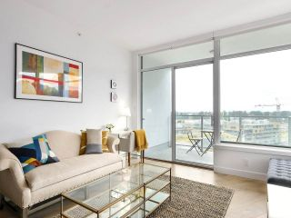 """Photo 3: 1007 3557 SAWMILL Crescent in Vancouver: South Marine Condo for sale in """"ONE TOWN CENTER"""" (Vancouver East)  : MLS®# R2472415"""