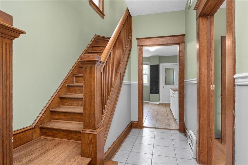 Photo 10: Photos: 778 Warsaw Avenue in Winnipeg: Residential for sale (1B)  : MLS®# 202115955