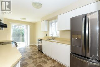 Photo 4: 23 SOVEREIGN AVENUE in Ottawa: House for sale : MLS®# 1261869