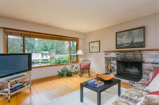 Photo 4: 1561 MERLYNN Crescent in North Vancouver: Westlynn House for sale : MLS®# R2143855