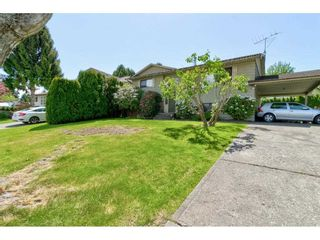 """Photo 3: 2265 MADRONA Place in Surrey: King George Corridor House for sale in """"MADRONA PLACE"""" (South Surrey White Rock)  : MLS®# R2577290"""