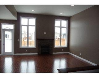 Photo 2: 63 FOUR OAKS CO in WINNIPEG: Westwood / Crestview Single Family Detached for sale (West Winnipeg)  : MLS®# 2904849