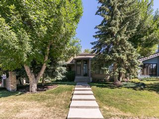 Photo 1: 36 PUMP HILL Mews SW in Calgary: Pump Hill House for sale : MLS®# C4128756