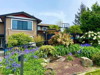 Photo 1: 6665 Buena Vista Rd in : CS Tanner House for sale (Central Saanich)  : MLS®# 878496