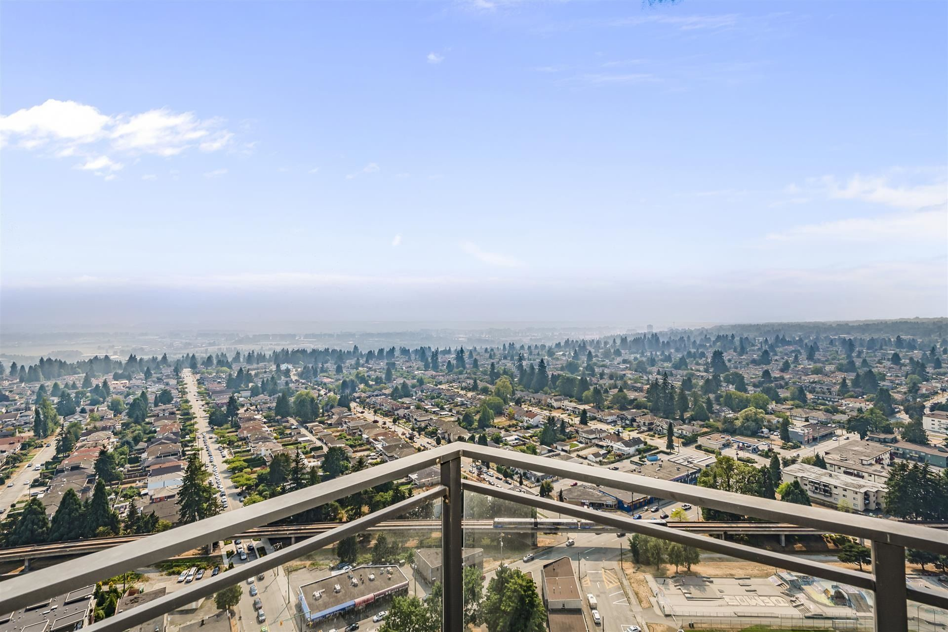 """Main Photo: 3801 4900 LENNOX Lane in Burnaby: Metrotown Condo for sale in """"THE PARK"""" (Burnaby South)  : MLS®# R2609917"""