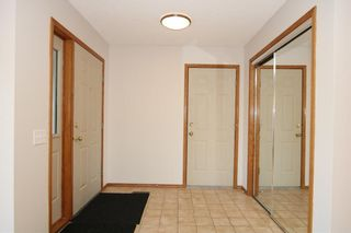 Photo 3: 22 WEST COPITHORNE Place: Cochrane House for sale : MLS®# C4121744