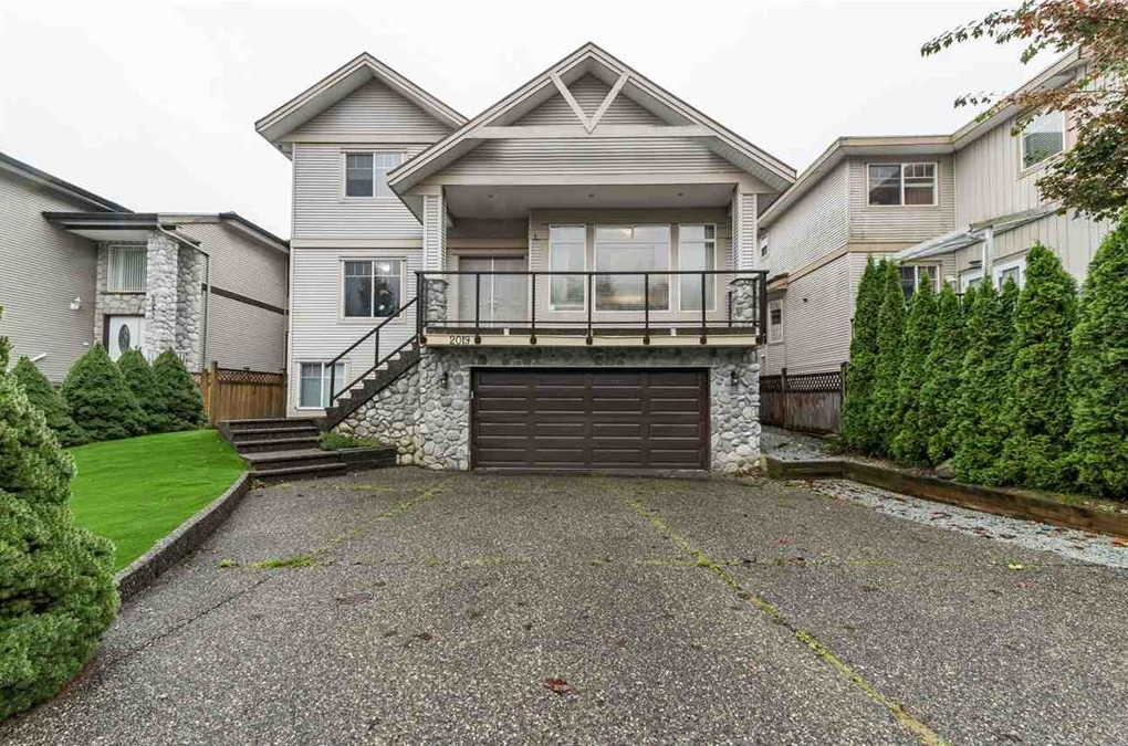 Main Photo: 2019 TURNBERRY Lane in Coquitlam: Westwood Plateau House for sale : MLS®# r2514024