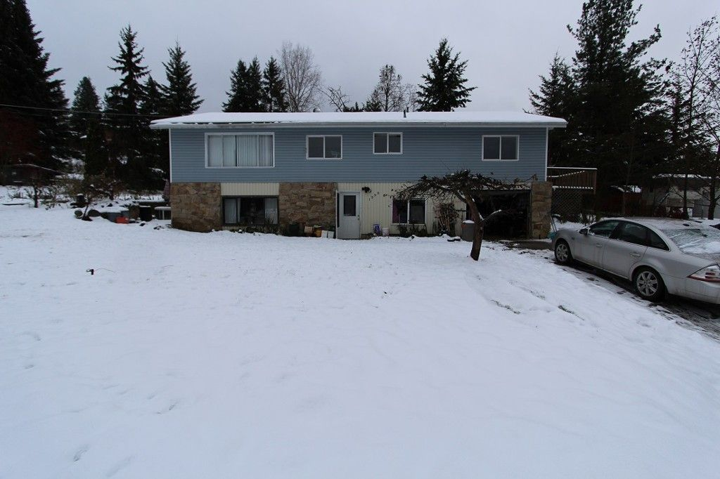 Main Photo: 1590 SE 11th Avenue in Salmon Arm: House for sale : MLS®# 10109036