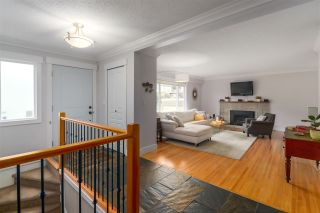 Photo 2: 206 HARVARD Drive in Port Moody: College Park PM House for sale : MLS®# R2441904