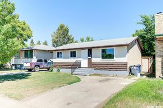 Photo 2: 818 Confederation Drive in Saskatoon: Massey Place Residential for sale : MLS®# SK861239