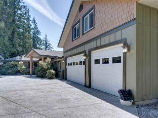 Photo 3: 5601 NICKERSON Road in Sechelt: Sechelt District House for sale (Sunshine Coast)  : MLS®# R2480858