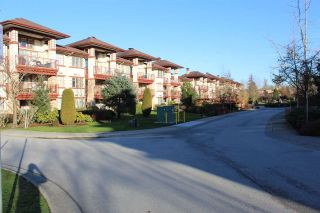 "Photo 25: 109 16477 64 Avenue in Surrey: Cloverdale BC Condo for sale in ""St. Andrews"" (Cloverdale)  : MLS®# R2526861"