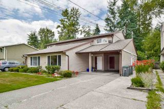 Photo 2: 8849 156A Street in Surrey: Fleetwood Tynehead 1/2 Duplex for sale : MLS®# R2187992