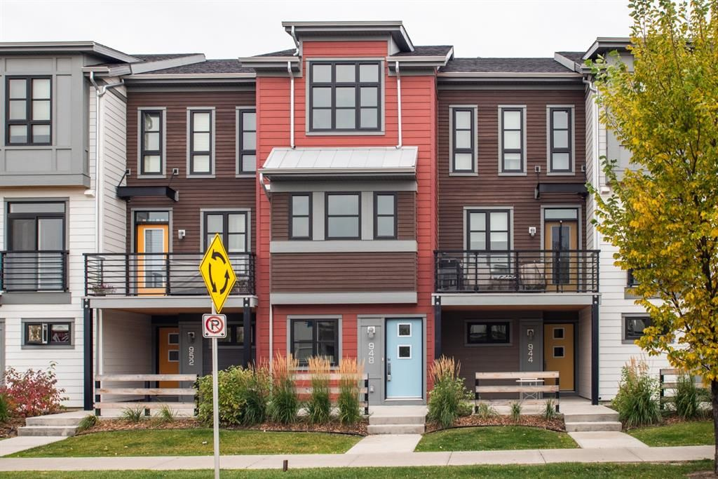 Main Photo: 948 Walden Drive SE in Calgary: Walden Row/Townhouse for sale : MLS®# A1149690