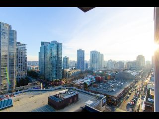Photo 5: 1407 977 MAINLAND STREET in : Yaletown Condo for sale (Vancouver West)  : MLS®# R2132152