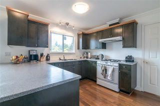 Photo 3: 1972 DUNROBIN CRESCENT in North Vancouver: Blueridge NV House for sale : MLS®# R2391503
