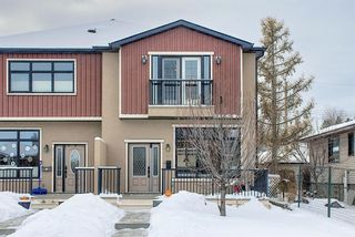 Main Photo: 309 26 Avenue NE in Calgary: Tuxedo Park Semi Detached for sale : MLS®# A1070057