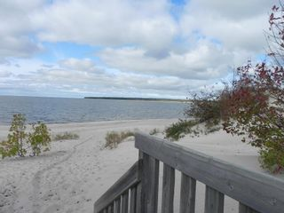 Photo 11: 34 Lakeview Drive in Victoria Beach: Sandy Bay Residential for sale (R27)