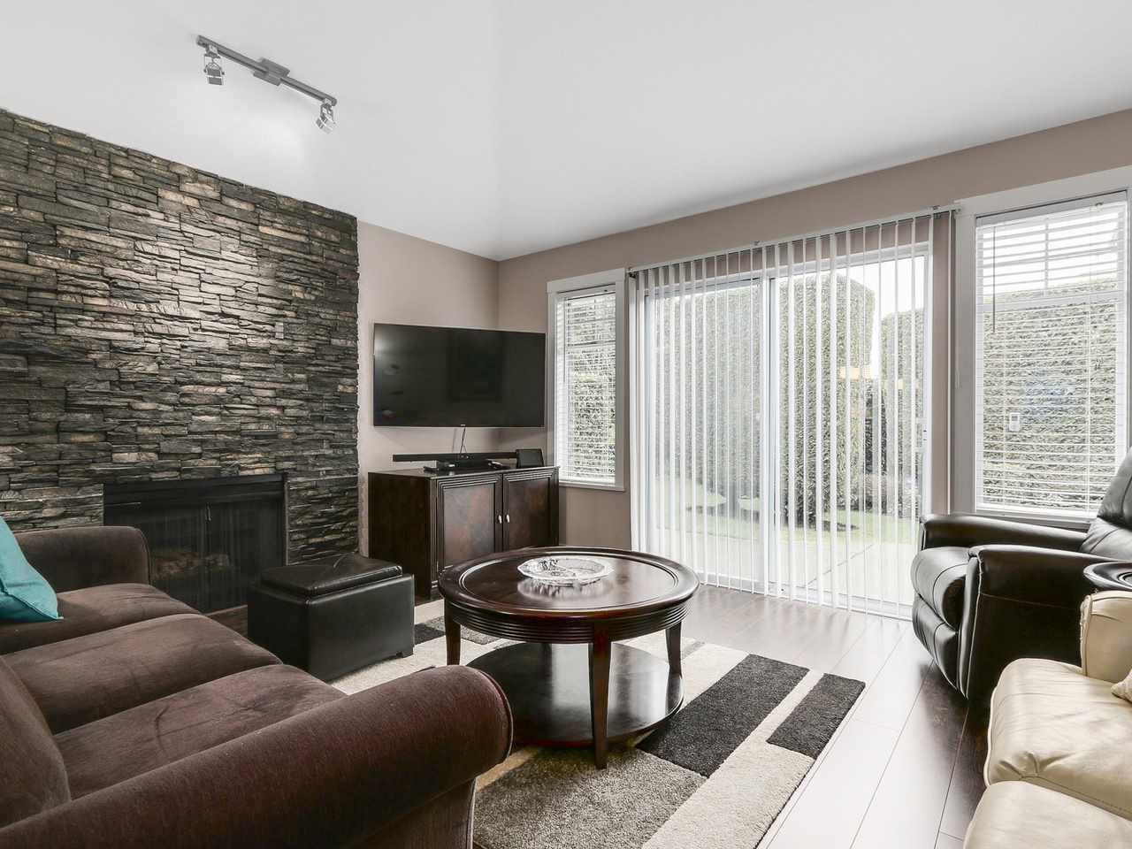 """Photo 2: Photos: 72 9208 208 Street in Langley: Walnut Grove Townhouse for sale in """"CHURCHILL PARK"""" : MLS®# R2155500"""