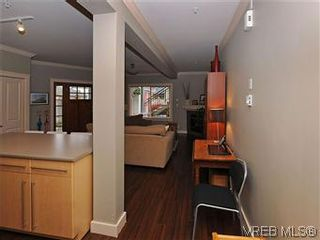 Photo 10: 5 2310 Wark St in VICTORIA: Vi Central Park Row/Townhouse for sale (Victoria)  : MLS®# 567630