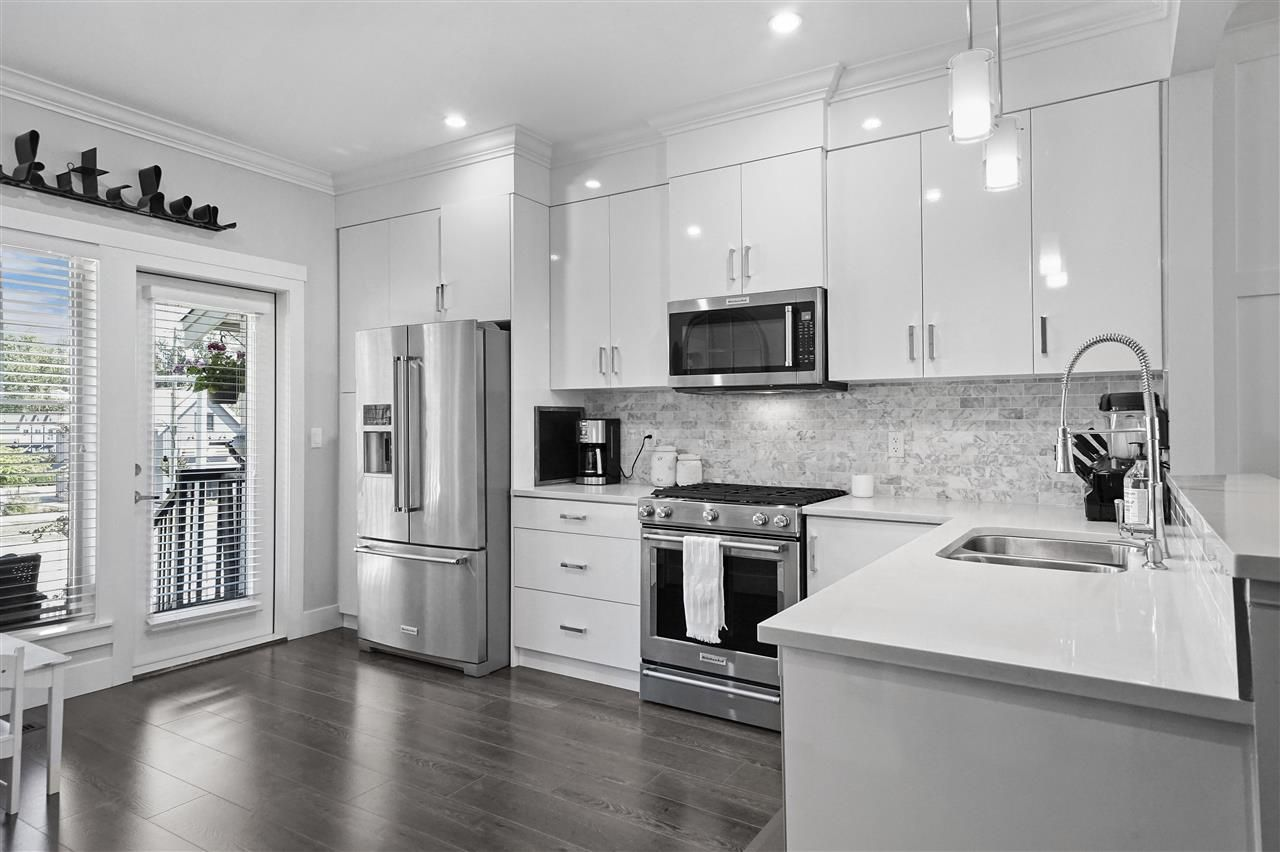 """Main Photo: 43 19097 64 Avenue in Surrey: Cloverdale BC Townhouse for sale in """"THE HEIGHTS"""" (Cloverdale)  : MLS®# R2391811"""