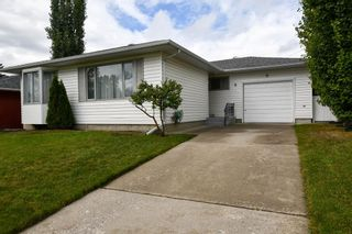Main Photo: 9 Cawder Drive NW in Calgary: Collingwood Detached for sale : MLS®# A1147036