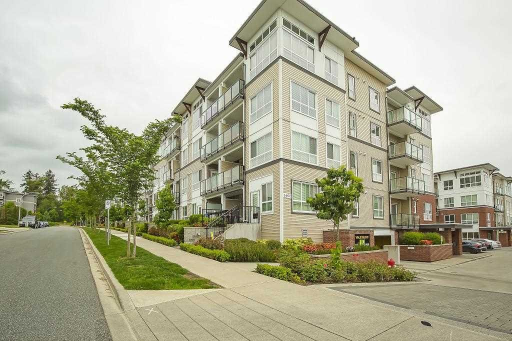 """Main Photo: 205 6468 195A Street in Surrey: Clayton Condo for sale in """"Yale Bloc Building 1"""" (Cloverdale)  : MLS®# R2456985"""