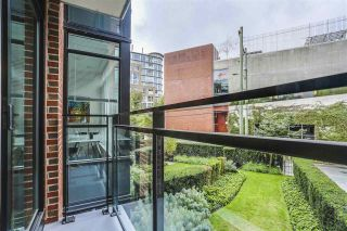 """Photo 15: 209 2321 SCOTIA Street in Vancouver: Mount Pleasant VE Condo for sale in """"The Social"""" (Vancouver East)  : MLS®# R2118663"""