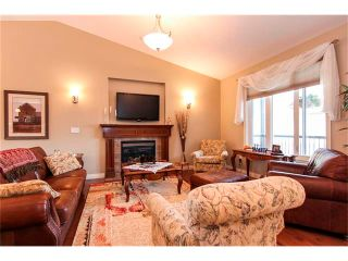 Photo 4: 24 Vermont Close: Olds House for sale : MLS®# C4027121