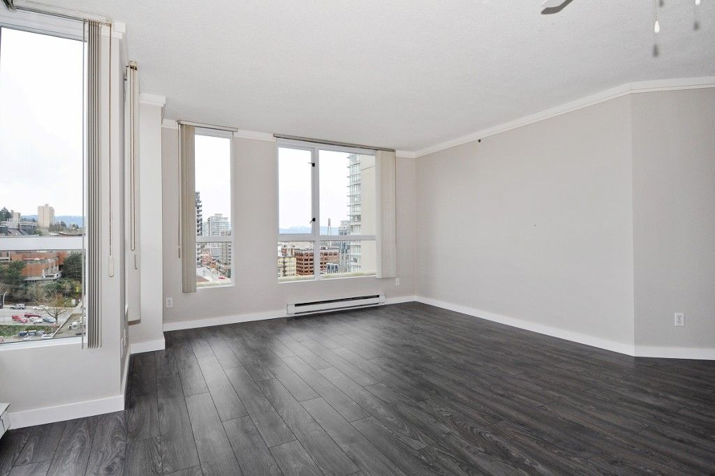 """Photo 3: Photos: PH3 828 AGNES Street in New Westminster: Downtown NW Condo for sale in """"WESTMINSTER TOWERS"""" : MLS®# R2153031"""