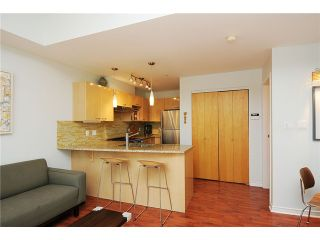 """Photo 4: 2325 ASH Street in Vancouver: Fairview VW Townhouse for sale in """"OMEGA CITIHOMES"""" (Vancouver West)  : MLS®# V846848"""