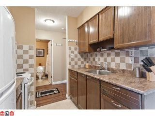 "Photo 3: 309 1520 BLACKWOOD Street: White Rock Condo for sale in ""Blue Surf"" (South Surrey White Rock)  : MLS®# F1128093"