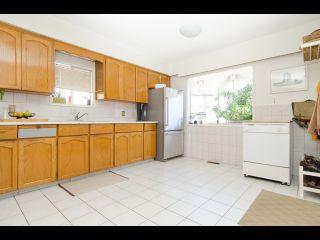 Photo 7: 2754 PARKER STREET in Vancouver: Renfrew VE House for sale (Vancouver East)  : MLS®# R2074748