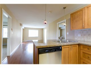 """Photo 7: 306 2373 ATKINS Avenue in Port Coquitlam: Central Pt Coquitlam Condo for sale in """"CARMANDY"""" : MLS®# V1069079"""