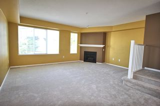 """Photo 3: 76 20540 66 Avenue in Langley: Willoughby Heights Townhouse for sale in """"Amberleigh"""" : MLS®# R2390320"""