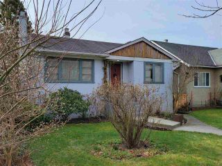 """Photo 2: 258 E 37 Avenue in Vancouver: Main House for sale in """"Riley park"""" (Vancouver East)  : MLS®# R2546212"""