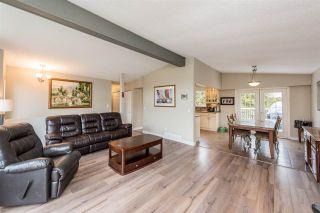 Photo 3: 26097 DEWDNEY TRUNK Road in Maple Ridge: Websters Corners House for sale : MLS®# R2260378