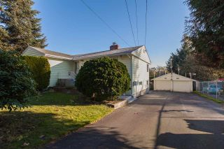 Photo 2: 9470 134 Street in Surrey: Queen Mary Park Surrey House for sale : MLS®# R2219446