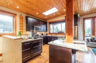 """Photo 2: 1006 PENNYLANE Place in Squamish: Hospital Hill House for sale in """"Hospital Hill"""" : MLS®# R2520358"""