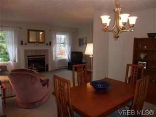 Photo 13: 14 2560 Wilcox Terr in VICTORIA: CS Tanner Row/Townhouse for sale (Central Saanich)  : MLS®# 588799