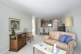 Photo 9: 302 128 W 21ST STREET in North Vancouver: Central Lonsdale Condo for sale : MLS®# R2408450