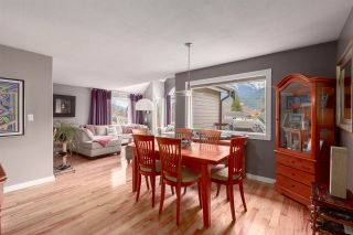 "Photo 2: 41362 DRYDEN Road in Squamish: Brackendale House for sale in ""BRACKENDALE"" : MLS®# R2539818"
