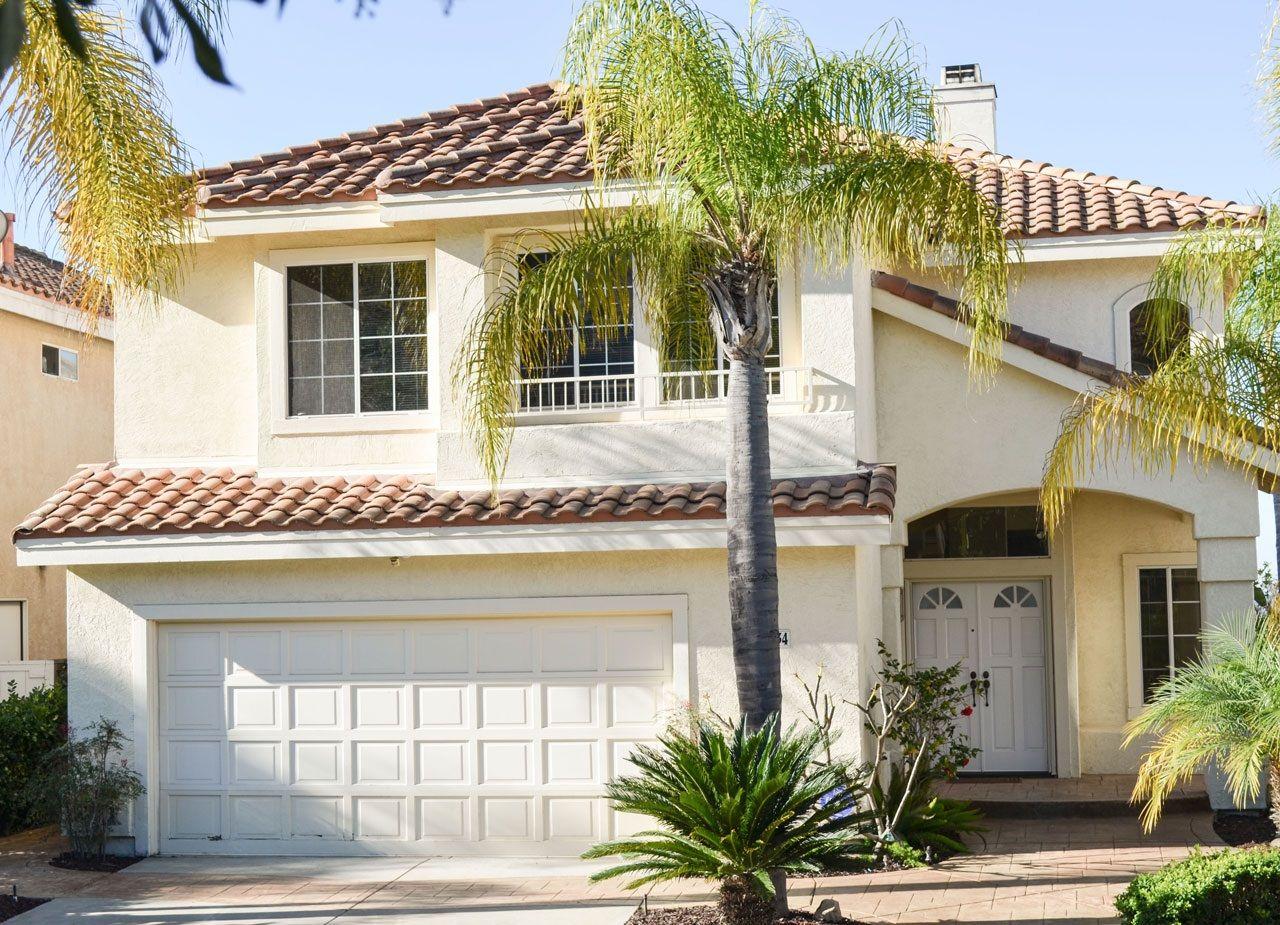 Main Photo: Detached for sale: 11834 Mendiola Pt in San Diego