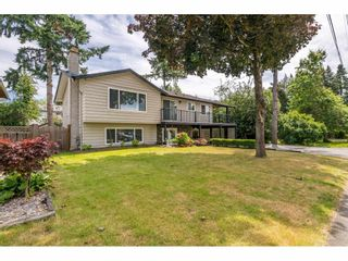 "Photo 2: 6264 181A Street in Surrey: Cloverdale BC House for sale in ""Hilltop"" (Cloverdale)  : MLS®# R2392010"