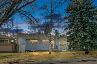 Main Photo: 84 Armstrong Crescent SE in Calgary: Acadia Detached for sale : MLS®# A1092813