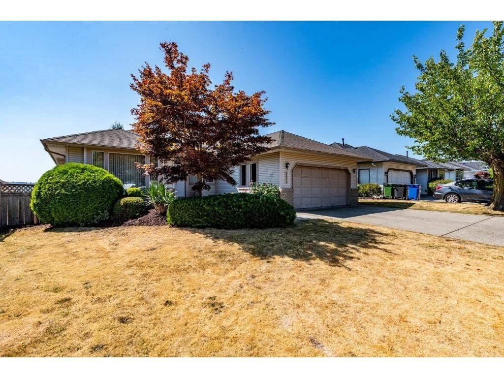 Main Photo: 2913 SOUTHERN Place in Abbotsford: Abbotsford West House for sale : MLS®# R2601782